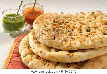 Garlic Naan with Chutney