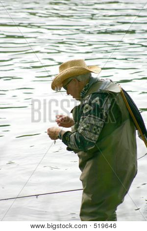 Tying A Lure 4