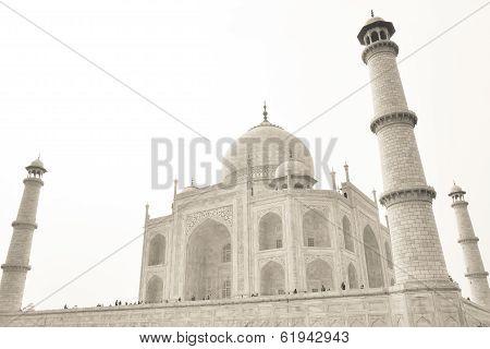 AGRA, INDIA: Taj mahal during daytime