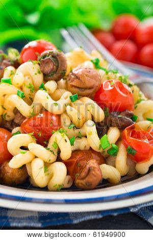 Pasta with roasted mushrooms and cherry tomatoes