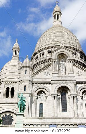 The Basilica Of The Sacred Heart (basilique Du Sacre-coeur) In Paris