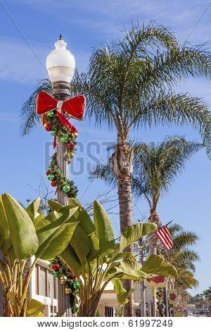 Christmas Wreath Street Light Lantern