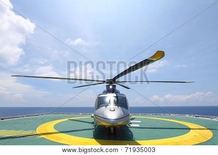 helicopter parking landing on offshore platform