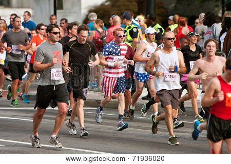 Runner Dressed In Stars & Stripes Runs In Atlanta Race