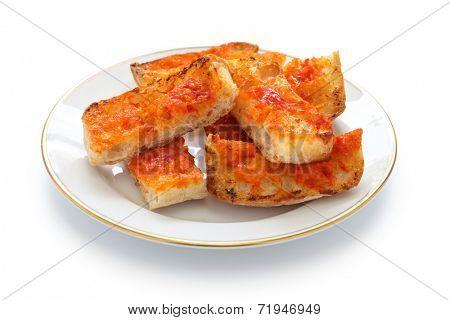 pan con tomate, spanish tomato bread, catalan tapas cuisine