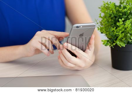 Woman Holding In The Hand Iphone 6 Space Gray