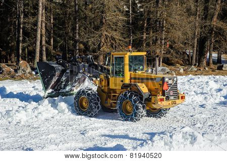 Snow removing