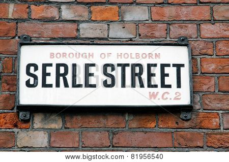 Serle Street sign