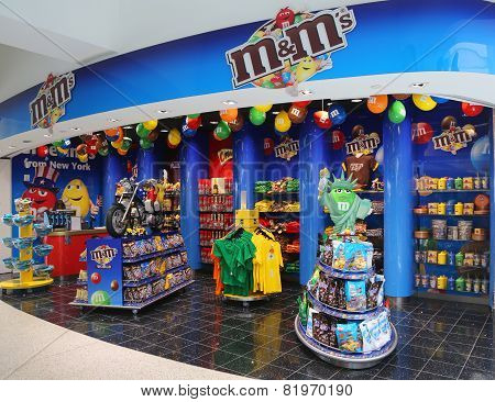 M&M candy store located at Terminal 7 in JFK Airport