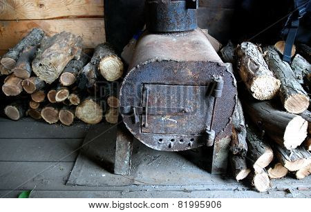 homemade iron stove for heating with wood