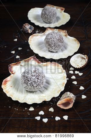 ?hocolates In Coconut Flakes