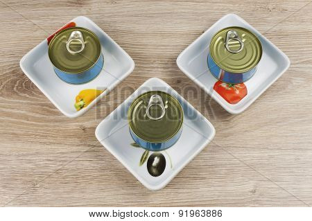 Fish - canned tuna in olive oil, healthy meals with vegetables