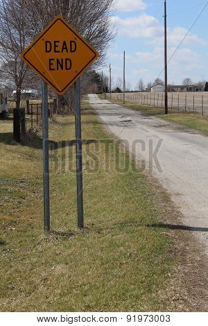Dead end sign on a country road