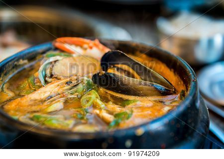 Korean seafood hotpot