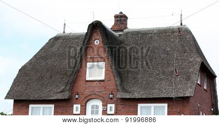 Cottages With Thatched Roof..