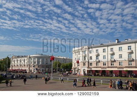 Gomel, Belarus - May 9, 2016: People Uniformed Soviet Soldiers And Officers Involved In The Parade D