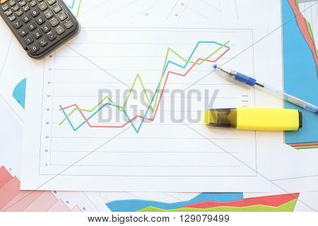Different types of charts showing data: Growth chart