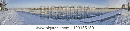 Panoramic photo of Great Ustjug and river Suxon'
