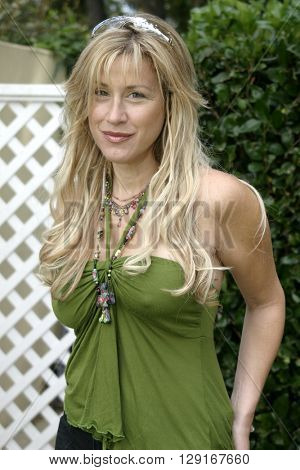 Lisa Ann Walter at the W Magazine Hollywood Yard Sale held at the W Mag in Los Angeles, USA on September 12, 2004.