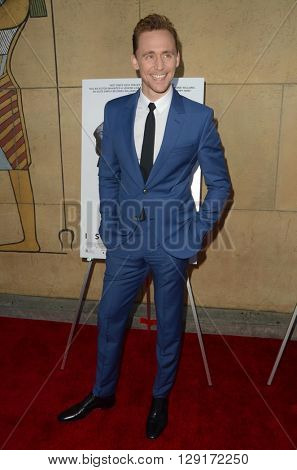 LOS ANGELES - MAR 22:  Tom Hiddleston at the I Saw the Light LA Premiere at the Egyptian Theatre on March 22, 2016 in Los Angeles, CA