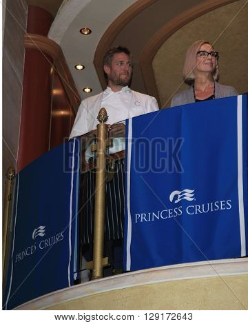 LOS ANGELES - JAN 24:  Curtis Stone, Jan Swartz at the Launch of SHARE Resturant at the Princess Cruise Ruby Princess at the Los Angeles World Cruise Center  on January 24, 2016 in San Pedro, CA