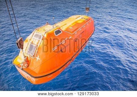 rescue boat or life boat at oil and gas platform annual sea trial test for preventive maintenancethis use for escape or evacuate from fire when abandon platform