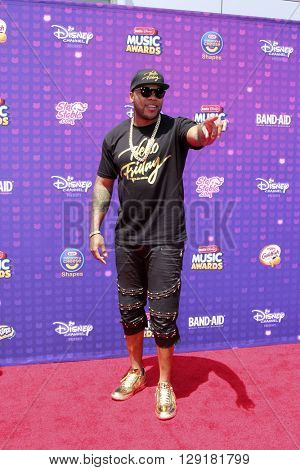 LOS ANGELES - APR 29:  Flo Rida at the 2016 Radio Disney Music Awards at the Microsoft Theater on April 29, 2016 in Los Angeles, CA