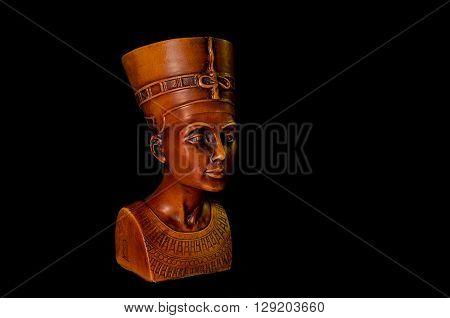 Fotografía de la reproducción en cerámica de la reina Egipcia Nefertiti.