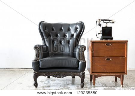 Black genuine leather classical style chair with side cabinet and telophone
