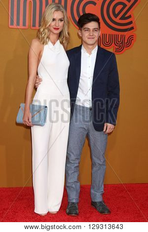 LOS ANGELES - MAY 10:  Lexi Johnson, Ian Johnson at the The Nice Guys Premiere at the TCL Chinese Theater IMAX on May 10, 2016 in Los Angeles, CA