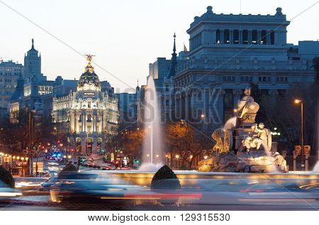MADRID, SPAIN - MARCH 22: Madrid on March 22, 2012 in Madrid: heavy traffic in the historic center of Madrid, highlights the Metropolis building and the Cibeles fountain.