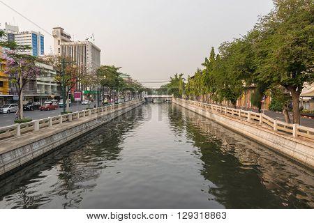 Bangkok Thailand - March 19 2016 : Khlong Phadung Krungkasem is a important canal in downtown Bangkok Thailand.