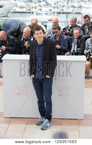 CANNES, FRANCE - MAY 11: Jesse Eisenberg attends the 'Cafe Society' Photocall during The 69th Annual Cannes Film Festival on May 11, 2016 in Cannes, France