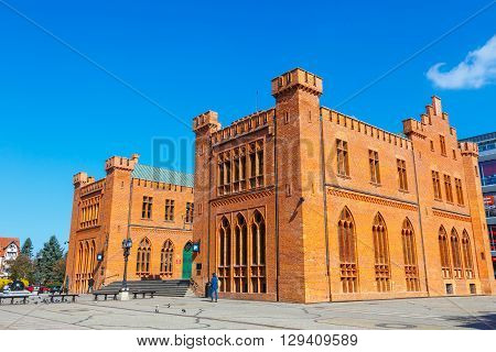 Kolobrzeg, Poland - April 08, 2016: City Center Of Kolobrzeg With Neo Gothic Building Of City Hall,