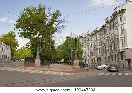 Russia, Moscow - May 11, 2016: View Of The Yauza Boulevard From Big Ustinsky Bridge.