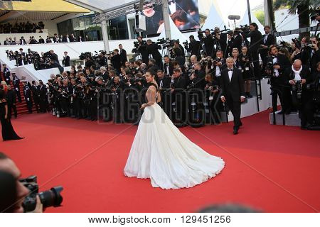 Li Bingbing attends the 'Cafe Society' premiere and the Opening Night Gala during the 69th Cannes Film Festival at the Palais des Festivals on May 11, 2016 in Cannes, France.