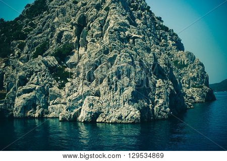 rock in the sea, resort, boat, mountain, wave, lagoon, long, backdrop
