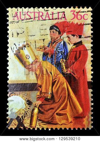 AUSTRALIA - CIRCA 1986 : Cancelled postage stamp printed by Australia, that shows Three kings.