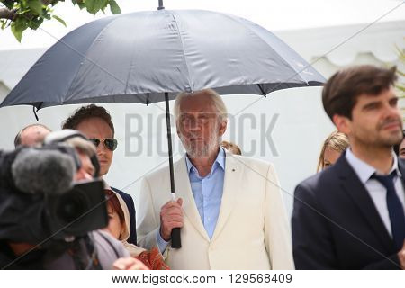 Donald Sutherland attend the jury photocall during the 69th annual Cannes Film Festival at Palais des Festivals on May 11, 2016 in Cannes, France.