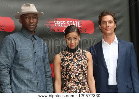 LOS ANGELES - MAY 11:  Mahershala Ali, Matthew McConaughey, Gugu Mbatha-Raw at the Free State Of Jones Photocall at the Four Seasons Hotel LA at Beverly Hills on May 11, 2016 in Los Angeles, CA