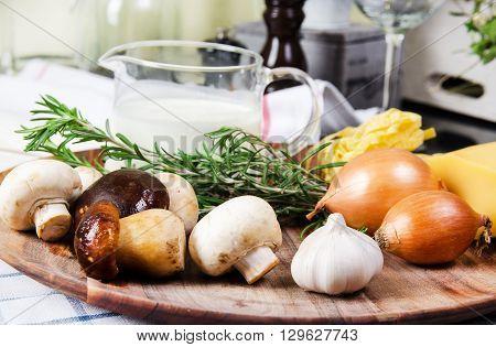 Pasta tagliatelle  with porcini mushrooms in a creamy sauce.