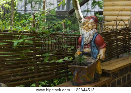 Figurines design of a private house yard