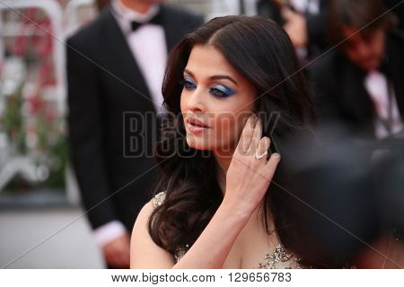 Aishwarya Rai attends the 'Slack Bay (Ma Loute)' premiere during the 69th annual Cannes Film Festival at the Palais des Festivals on May 13, 2016 in Cannes, France.
