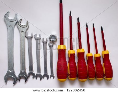 A set of different tool iron handle metal screwdriver industry