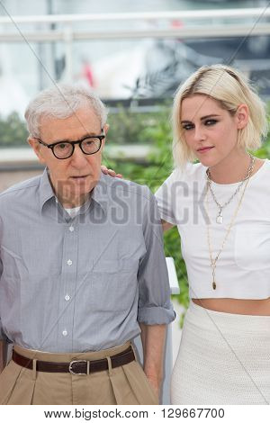 CANNES, FRANCE - MAY 11: Woody Allen and Kristen Stewart attend the 'Cafe Society' photocall, 69th annual Cannes Film Festival at Palais des Festivals on May 11, 2016 in Cannes, France.