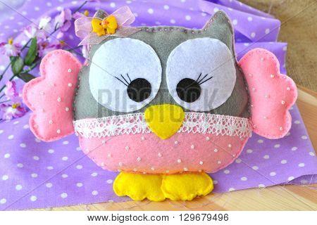 Felt owl - cute baby soft toy