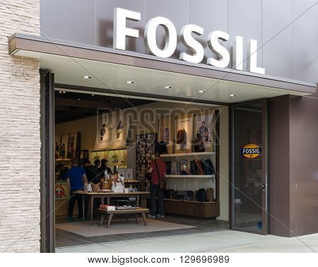Fossil Store Exterior And Sign