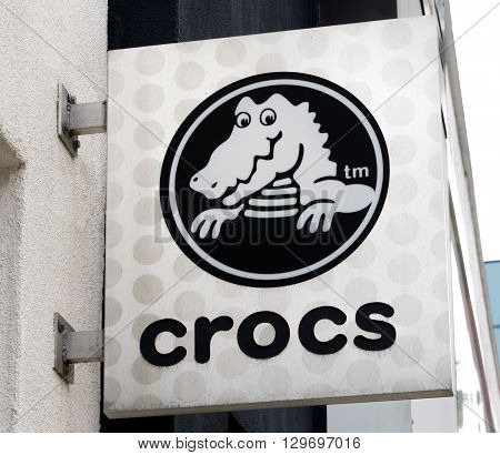 Crocs Exterior Sign And Logo