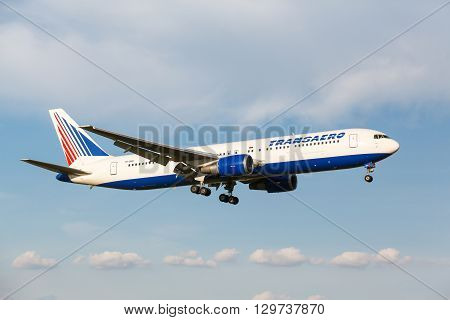 Boeing 767 Take Off From Runway