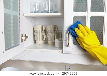 Cleaning Kitchen Dresser